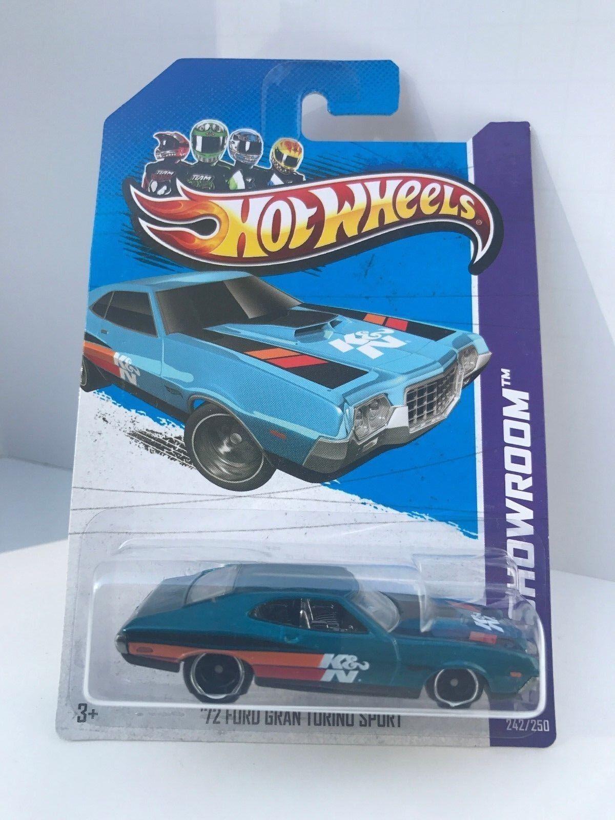 Hot Wheels 2013 Super Treasure Hunt 1972 Torino Sport W Protector