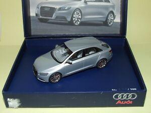Audi Roadjet Concept Car Présenté Au Salon De Détroit 2006 Gris Looksmart