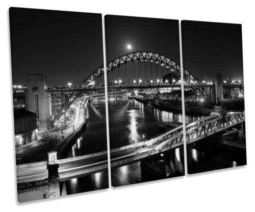 Newcastle tyne pont quai b/&w treble toile murale art box encadrée photo