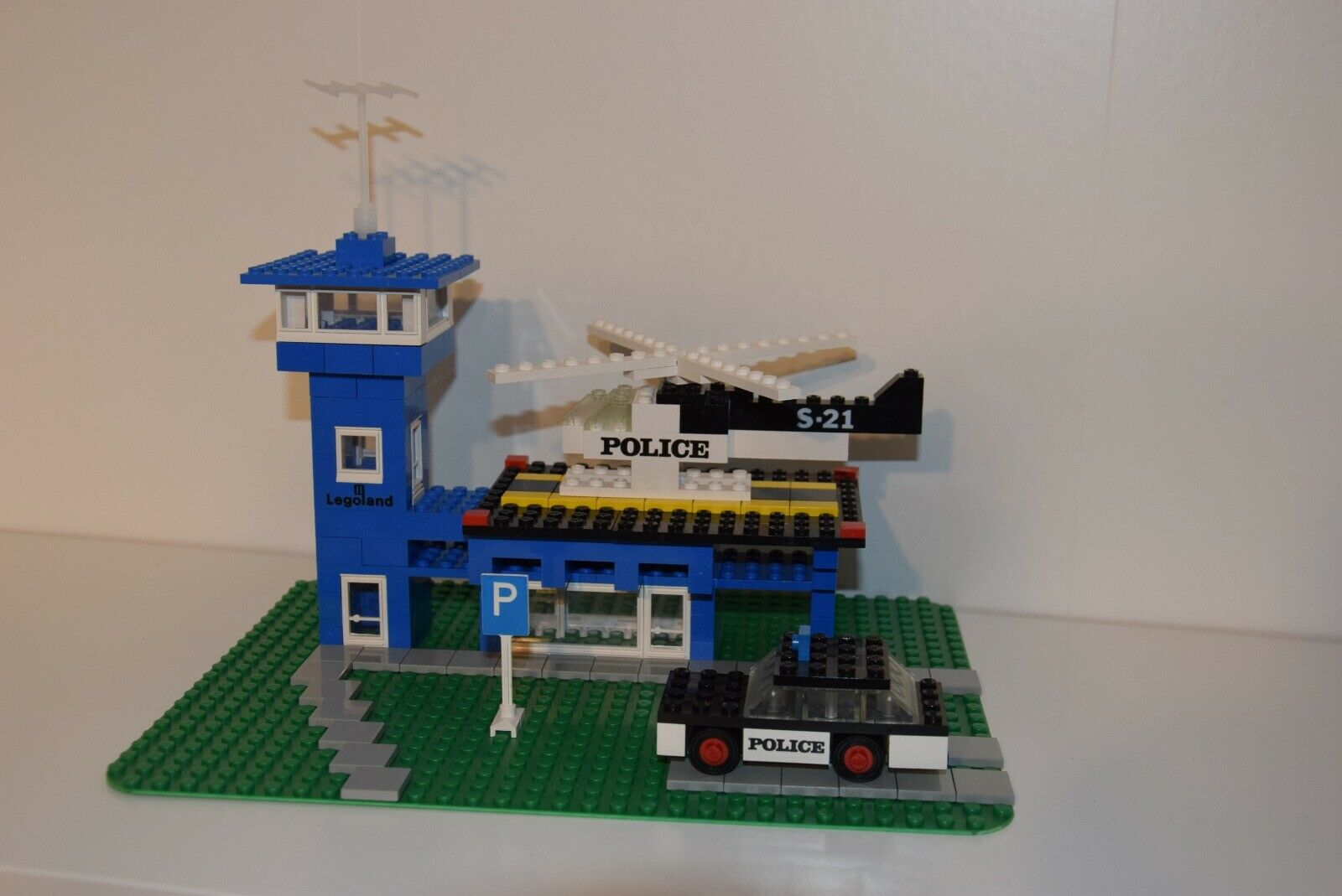 LEGO 354 Police Heliport 1972 Legoland UNIKAT Box, Instruction