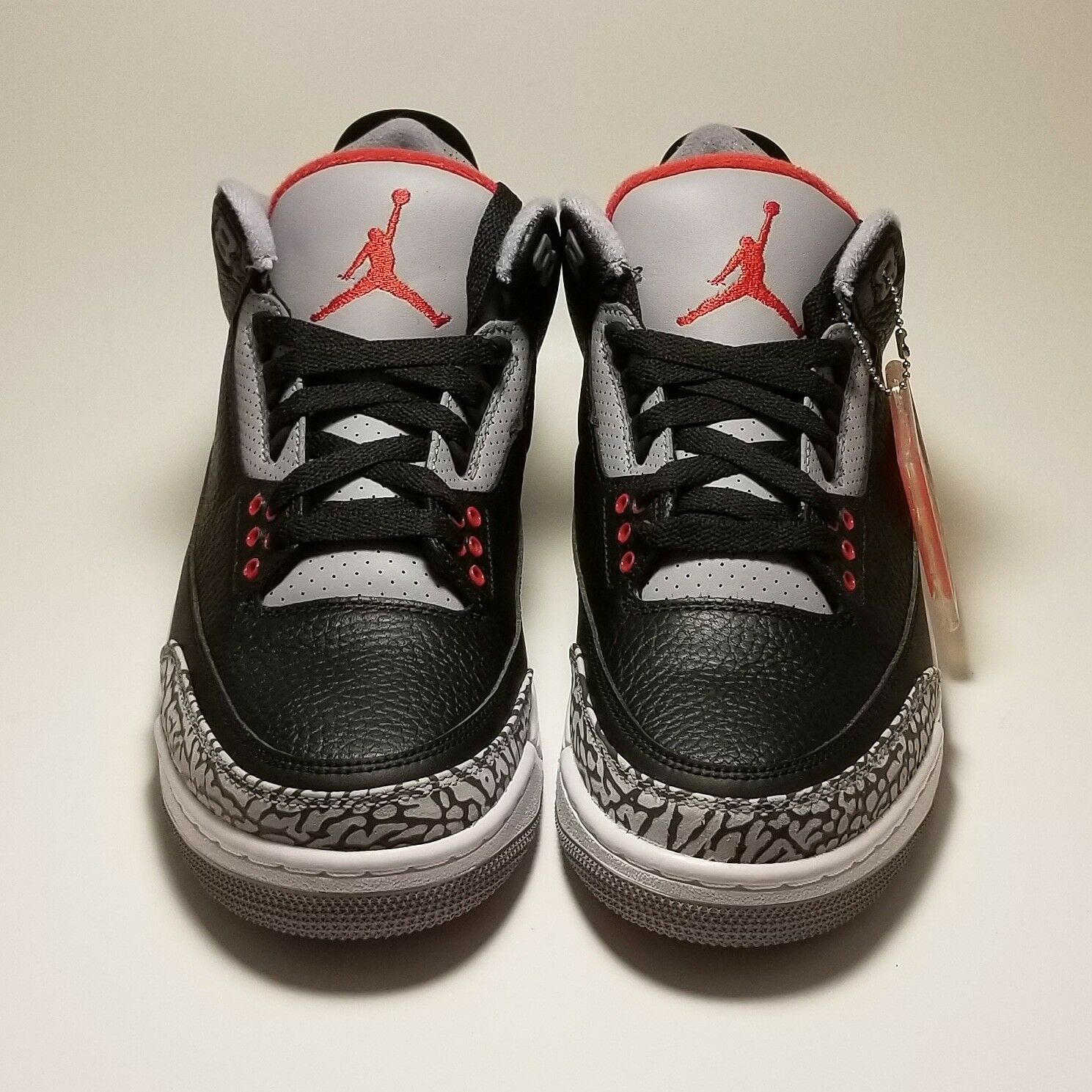 2018 Air Jordan Retro 3 Og 8,5.Limited Negro Cement hombres tamaño 8,5.Limited Og 1f513a