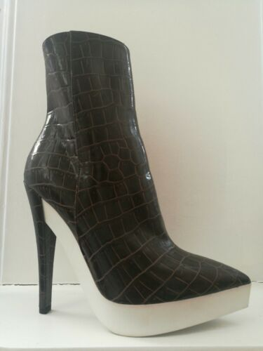 Stella McCartney marron crocodile en relief en Cuir Synthétique Bottes RRP 610 EU 38 UK 5 afficher le titre d'origine