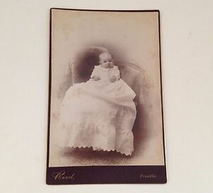 Antique-Photo-Baby-in-Gown-Cabinet-Card-Reed-Franklin-MA-Vintage