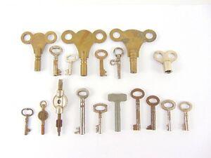 Joblot-18-Vintage-Keys-Watch-Clock-padlock-etc-Penguin-Restoration