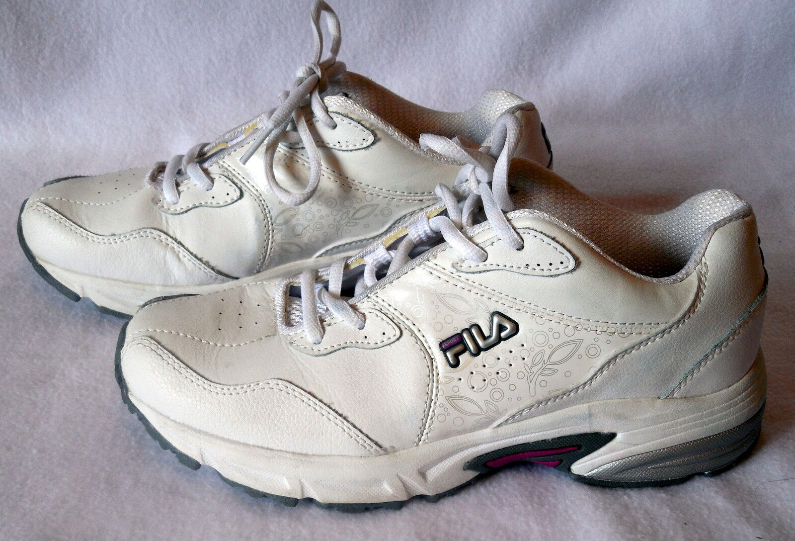 FILA Womens white ATHLETIC SHOE size 7.5  W52 The latest discount shoes for men and women