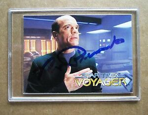 Star Trek Voyager ,Robert Picardo - The Doctor signed trading card !
