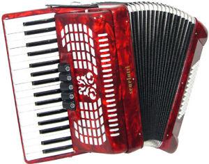 Scarlatti 72 Bass Piano Accordion & Case. Warranty Return, RRP £599