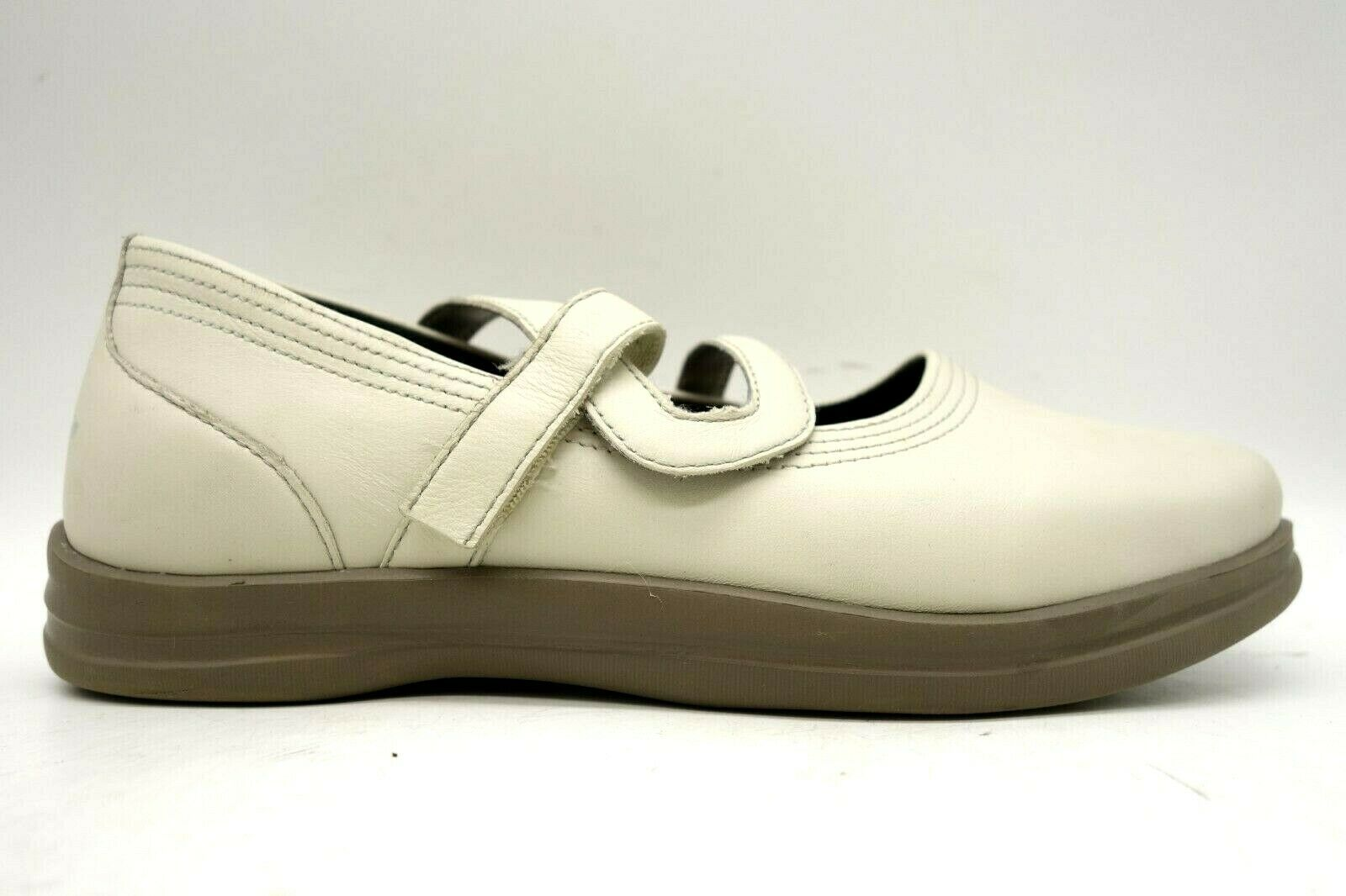 Apex Beige Leather Adjustable Slip Resistant Comfort Loafers Shoes Women's 9 XW