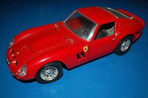 Burago-3011-FERRARI-GTO-1962-scala-1-18