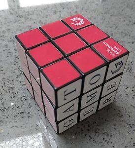 Deux X Nouveau Officiel Rubiks Cube 3x3 Puzzle Jouet/années 80 Classique-afficher Le Titre D'origine