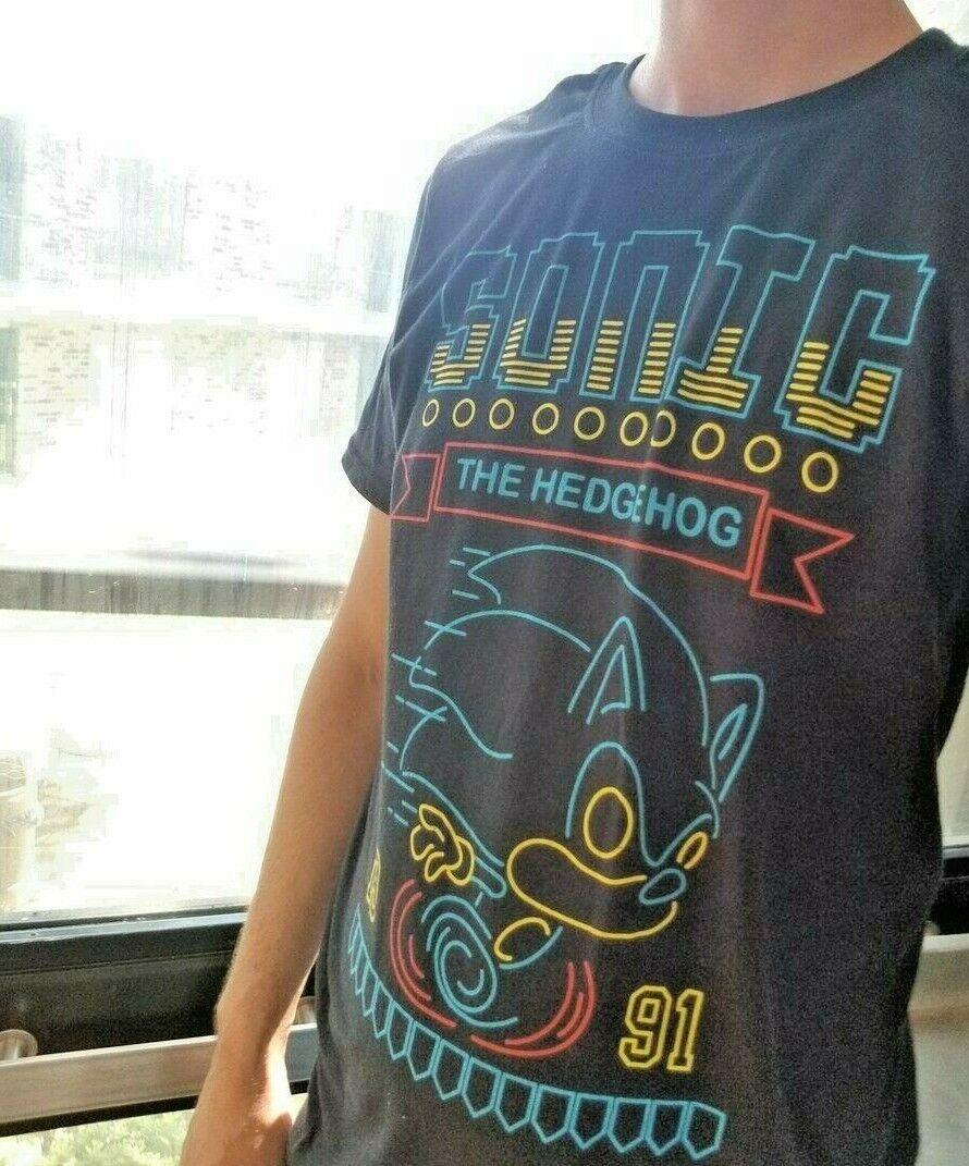 GAMESTOP USA EXCLUSIVE Funko POP  Sonic The Hedgehog Neon T-Shirt XL Tee
