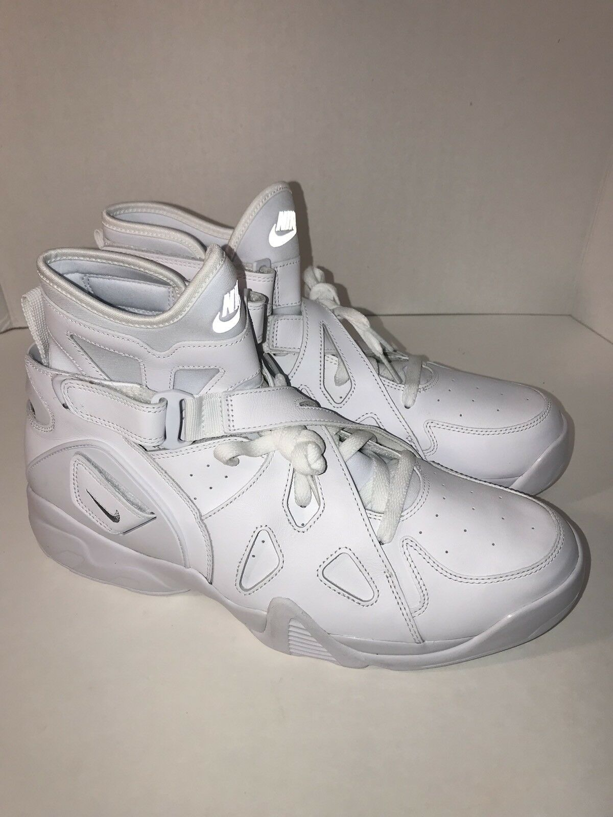 Nike AIR UNLIMITED Triple White Size 13 (889013-100) Basketball High Top
