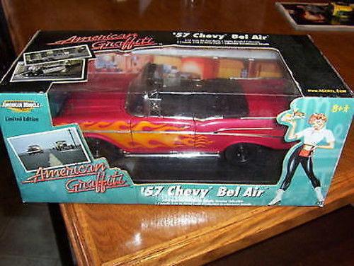 1 18 Ertl 1957 Chevy Converdeibile con Flames American Graffiti -