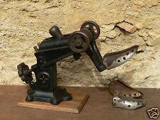 outil ancien machine cordonnier maroquinier conformateur/embauchoir atelier XIXe