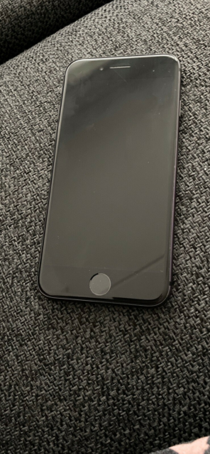 iPhone 8, 64 GB, sort, Perfekt, Fejler ingenting. Har en…