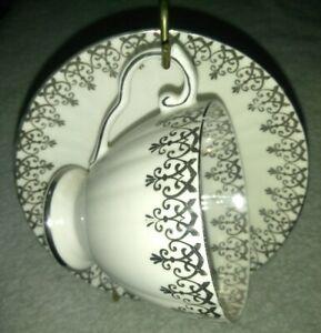 ROYAL-GRAFTON-ENGLAND-FINE-BONE-CHINA-TEA-CUP-amp-SAUCER-silver-embroidered-vtg