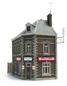 Artitec-10-327-Kneipe-De-Statie-H0-1-87-Bausatz-Wirtshaus-Lokal-Resin-unbemalt