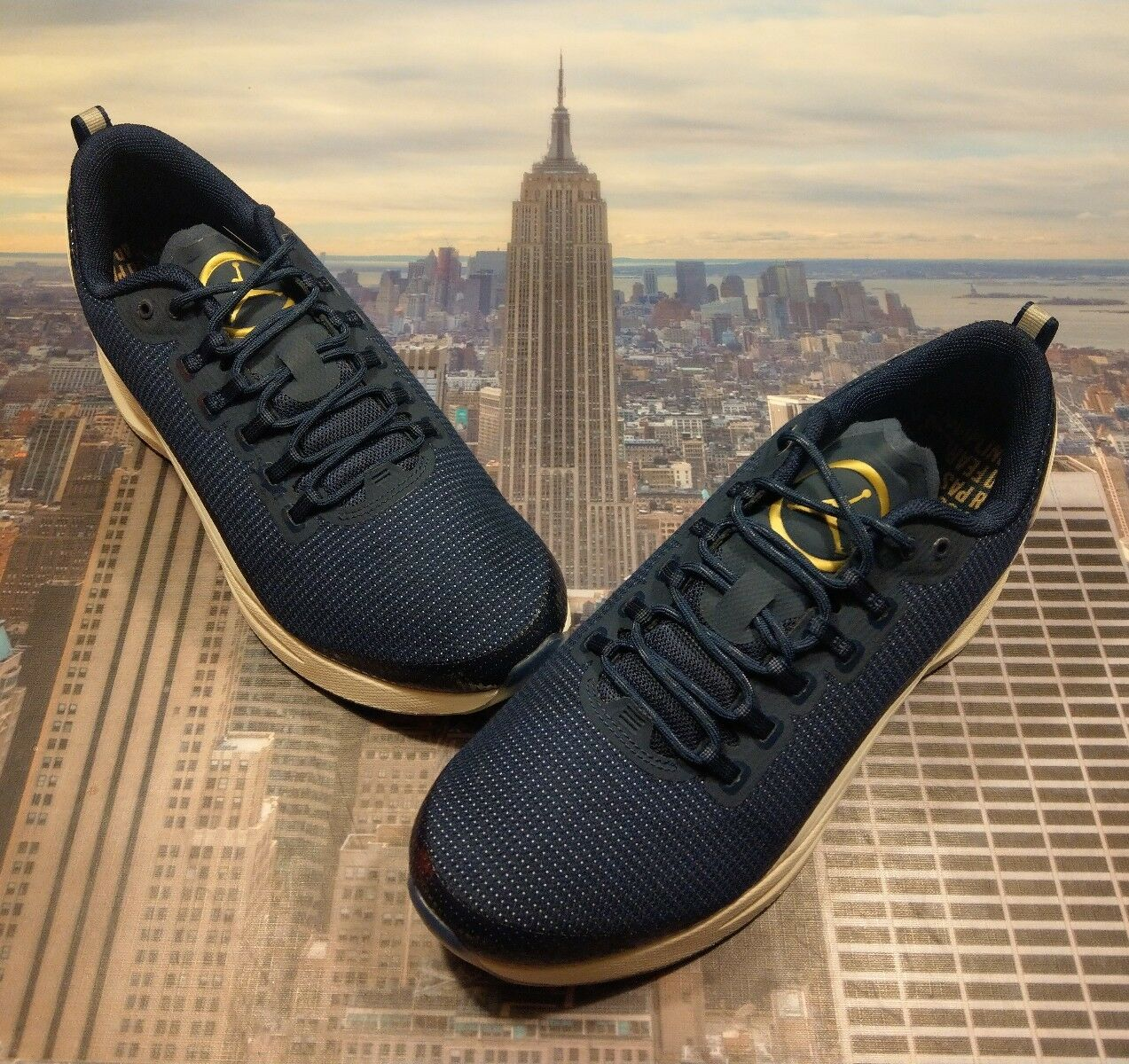 Nike Jordan Zoom Tenacity Re2pect Derek Jeter Size 10 Retro Air AO1556 402 New