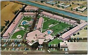 SCOTTSDALE-AZ-Arizona-SAFARI-HOTEL-c1950s-Roadside-Postcard