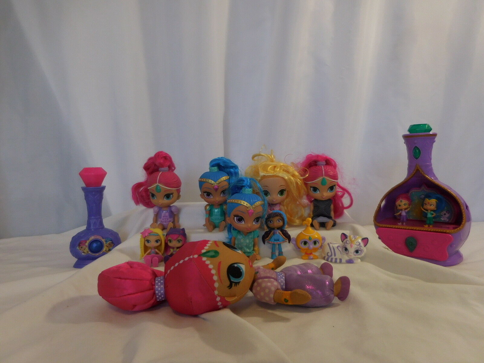 Shimmer and Shine Magic Wishes Musical Jewelry Box + Magical Wishes Genie Bottle