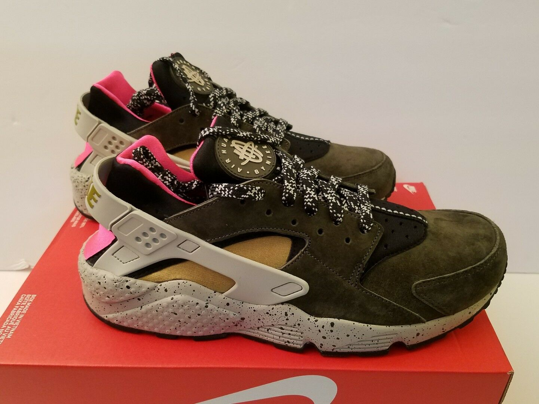 72842e8f76 Nike Air Huarache Run Premium Size 10 Black Moss-Red Men's shoes 704830-010