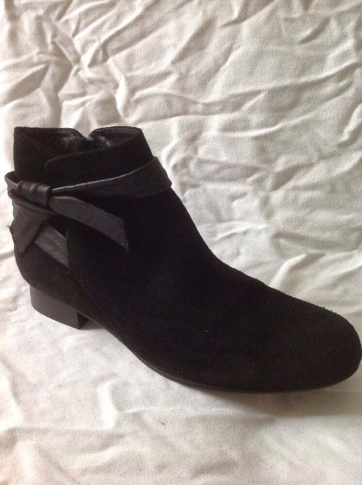 André Black Ankle Suede Boots Size 38-39