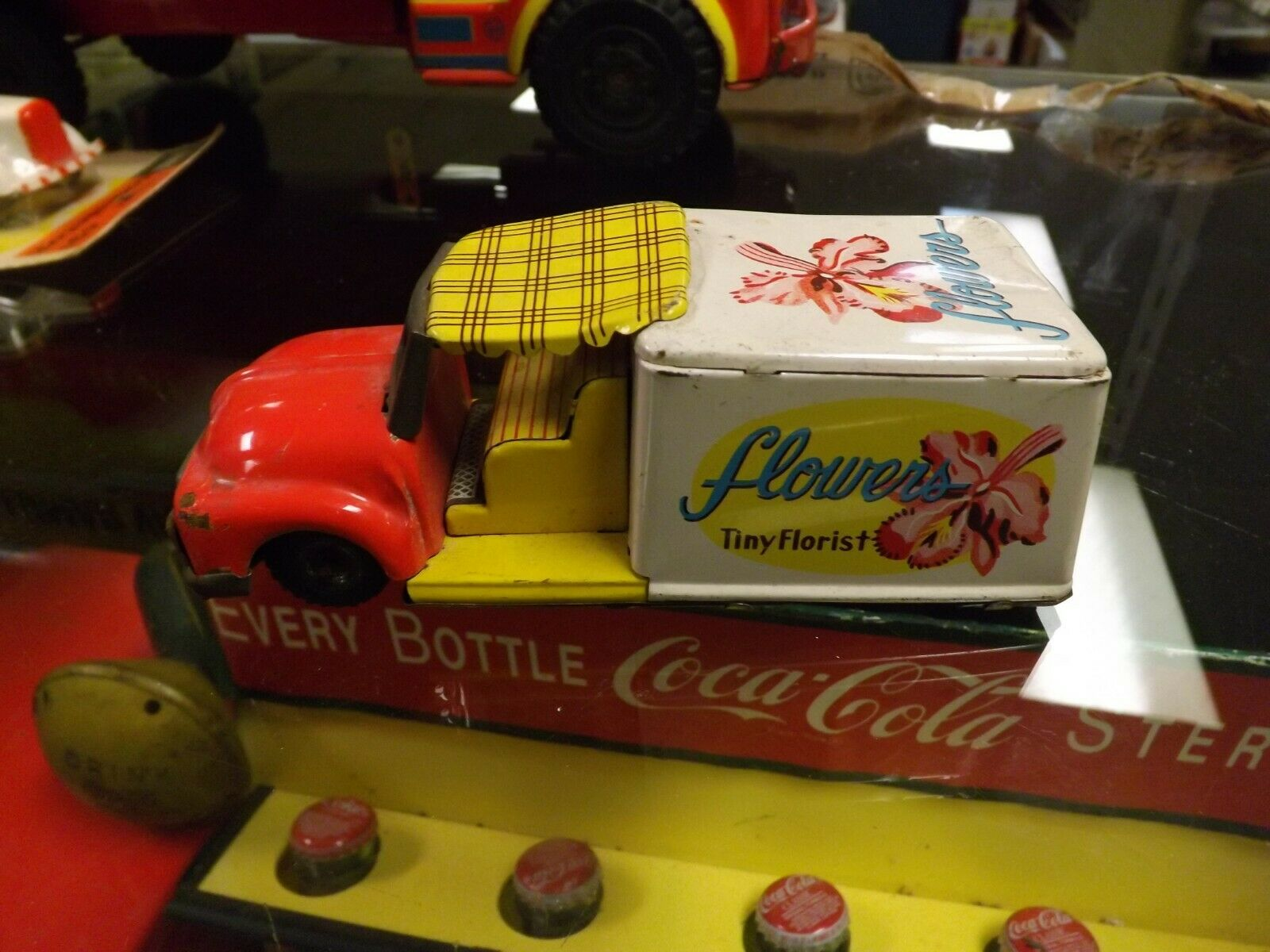 Vintage Tin Friction RARE Flowers Florist Delivery Truck 6  Long GAS OIL COLA SO