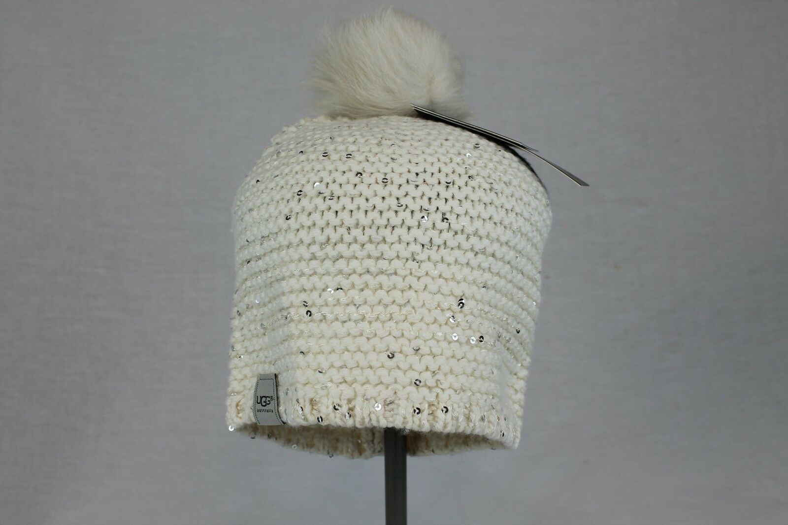 Bonnet à pompon en paillettes crème Cambridge Nyla Cable de Cambridge, taille unique, Territoires du Nord-Ouest