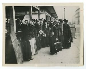 German History - Depression, Berlin - Vintage 7x9 Photograph