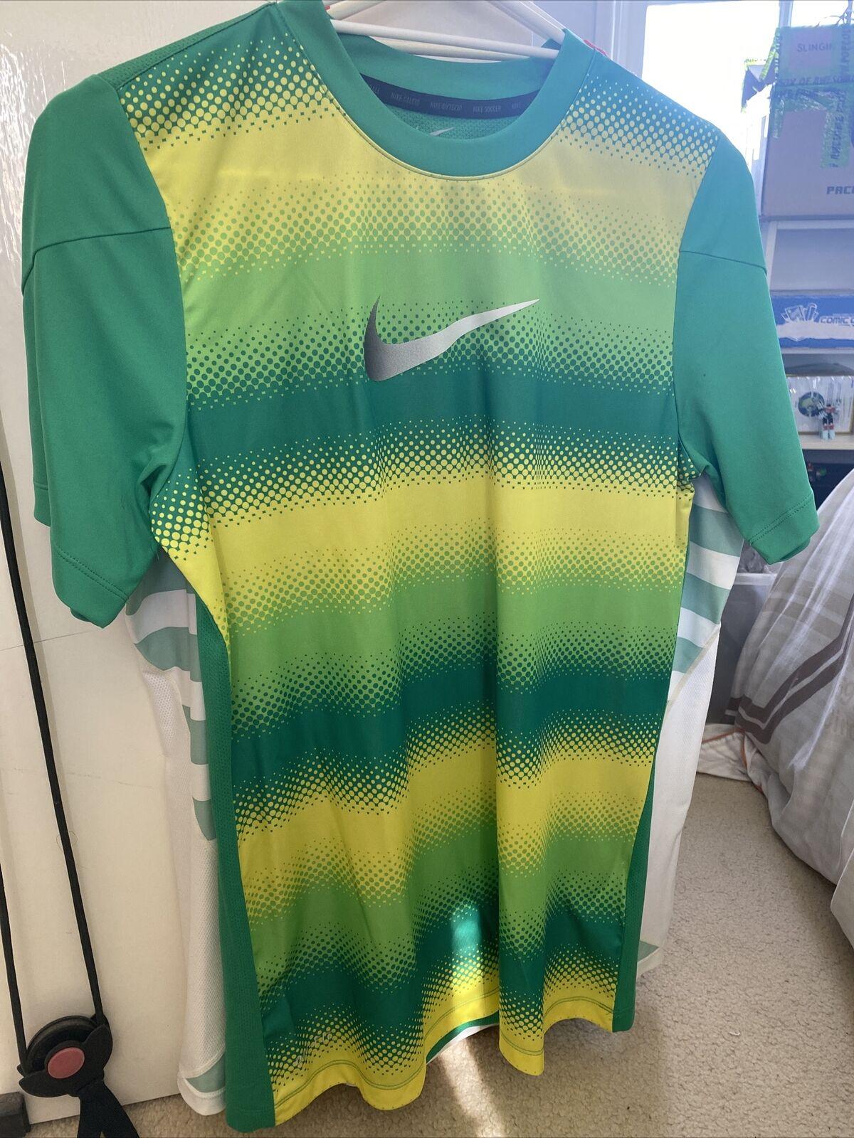 Men's Nike Football Green & Yellow Training Shirt Size M Medium Preowned Soccer