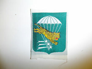 0141-RVN-Vietnam-Army-Early-Special-Forces-SF-Woven-Sleeve-Patch-IR4A36