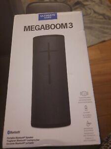 Schwarz Ultimate Ears megaboom 3 Lautsprecher Wireless Bluetooth Box leicht gerissen