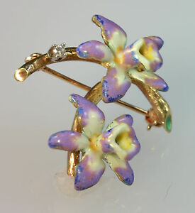 #5648 - 14K Gold - Enameled Flower Brooch