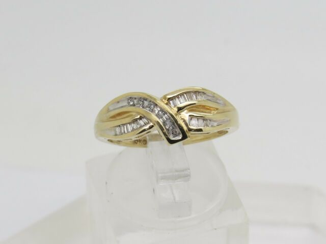 Solid 10k Yellow Gold Round Baguette Diamond Accent Wave 7.9mm Band Ring Size 7