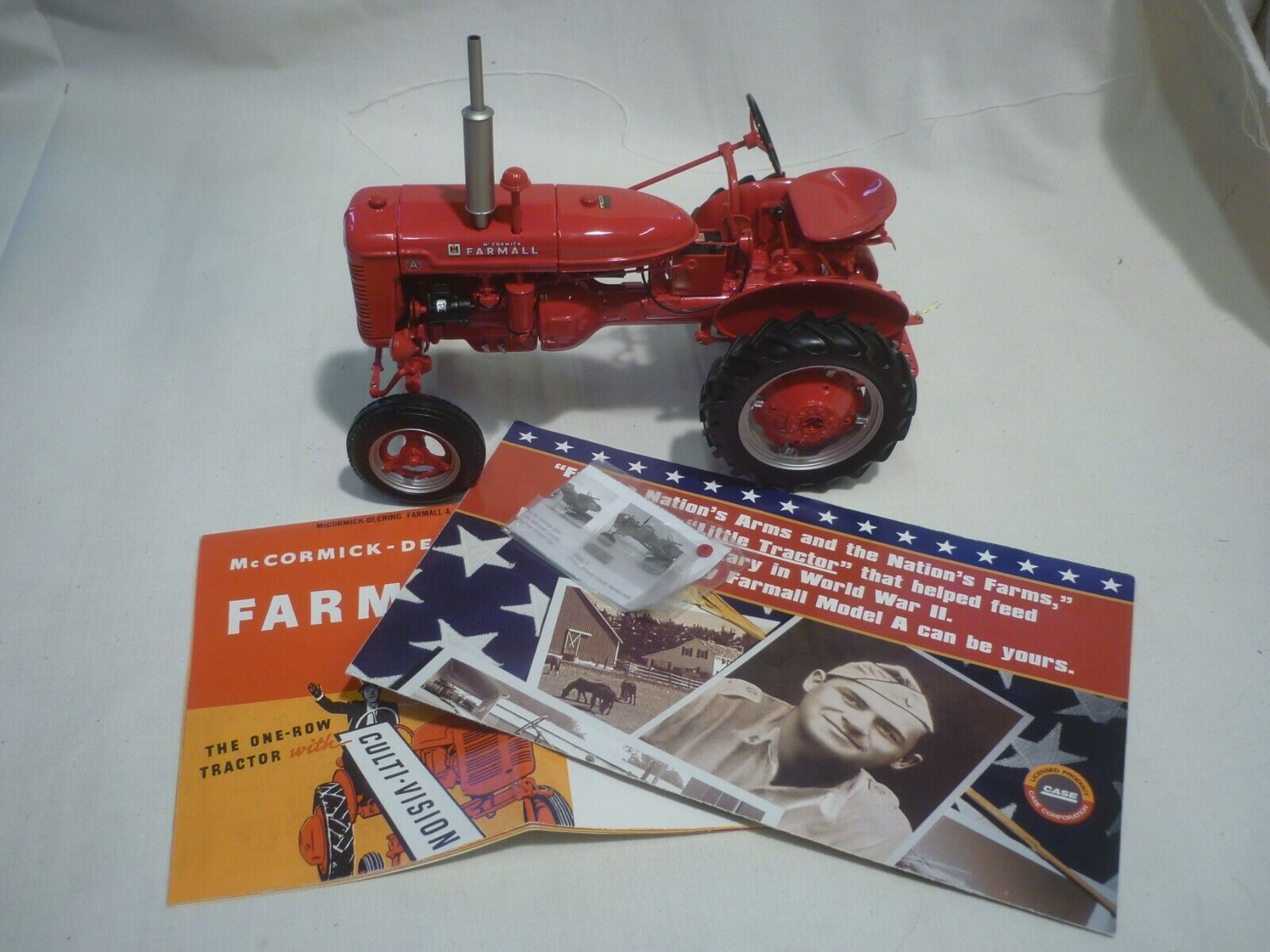 promocionales de incentivo Un Franklin Mint de un modelo a a a escala de un modelo internacional Farmall un  tiendas minoristas