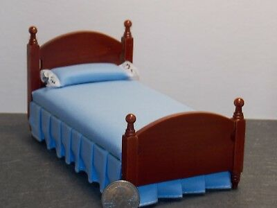Dollhouse Miniature Cannonball Bed Mahogany 1:12 inch scale K52 Dollys Gallery
