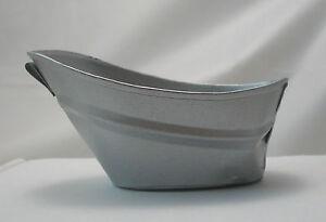 baby bath tub zinc dollhouse furniture metal im65388 town square miniatures. Black Bedroom Furniture Sets. Home Design Ideas