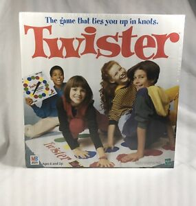 Hasbro-Milton-Bradley-1998-Edition-VINAGE-TWISTER-Family-Board-Game-NEW-SEALED