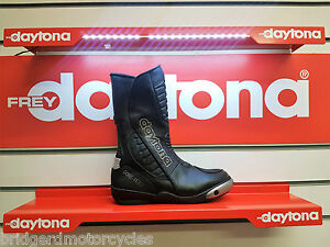 DAYTONA-STRIVE-GTX-MOTORCYCLE-BOOTS-PREMIUM-GERMAN-MOTORCYCLE-BOOTS