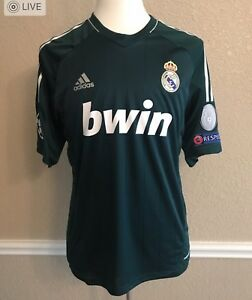 Image is loading Real-Madrid-Modric-Croatia-MD-Player-Issue-Formotion- dbd905bb72808