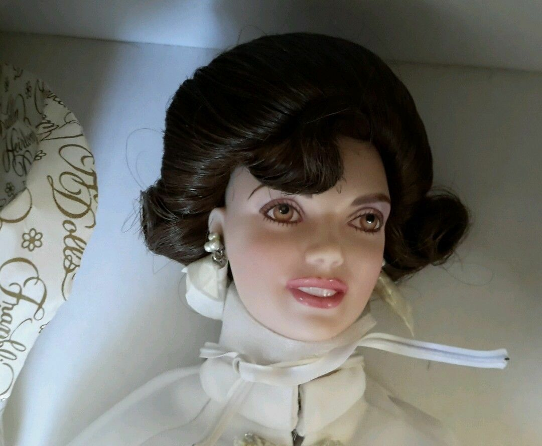 Jackie Kennedy Doll Franklin Heirloom Doll NRFB The 1961 Inaugural Ball 16