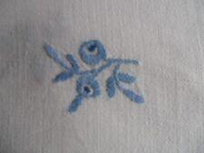 Tischdecke Baumwolle handgestickte Streublümchen 130x130 weiß CB446