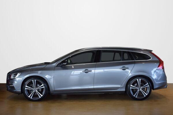 Volvo V60 2,0 D4 190 R-Design aut. - billede 1