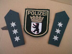 alter-POLIZEI-Aufnaeher-BERLIN-GRUN-Armel-ABZEICHEN-und-1-Paar-Schulterstuecke
