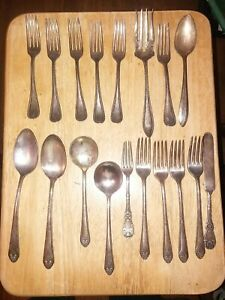 Antik Vintage Holmes & Edwards & W R, Intarsien Silverplate Bestecke Mix of 18 PCs