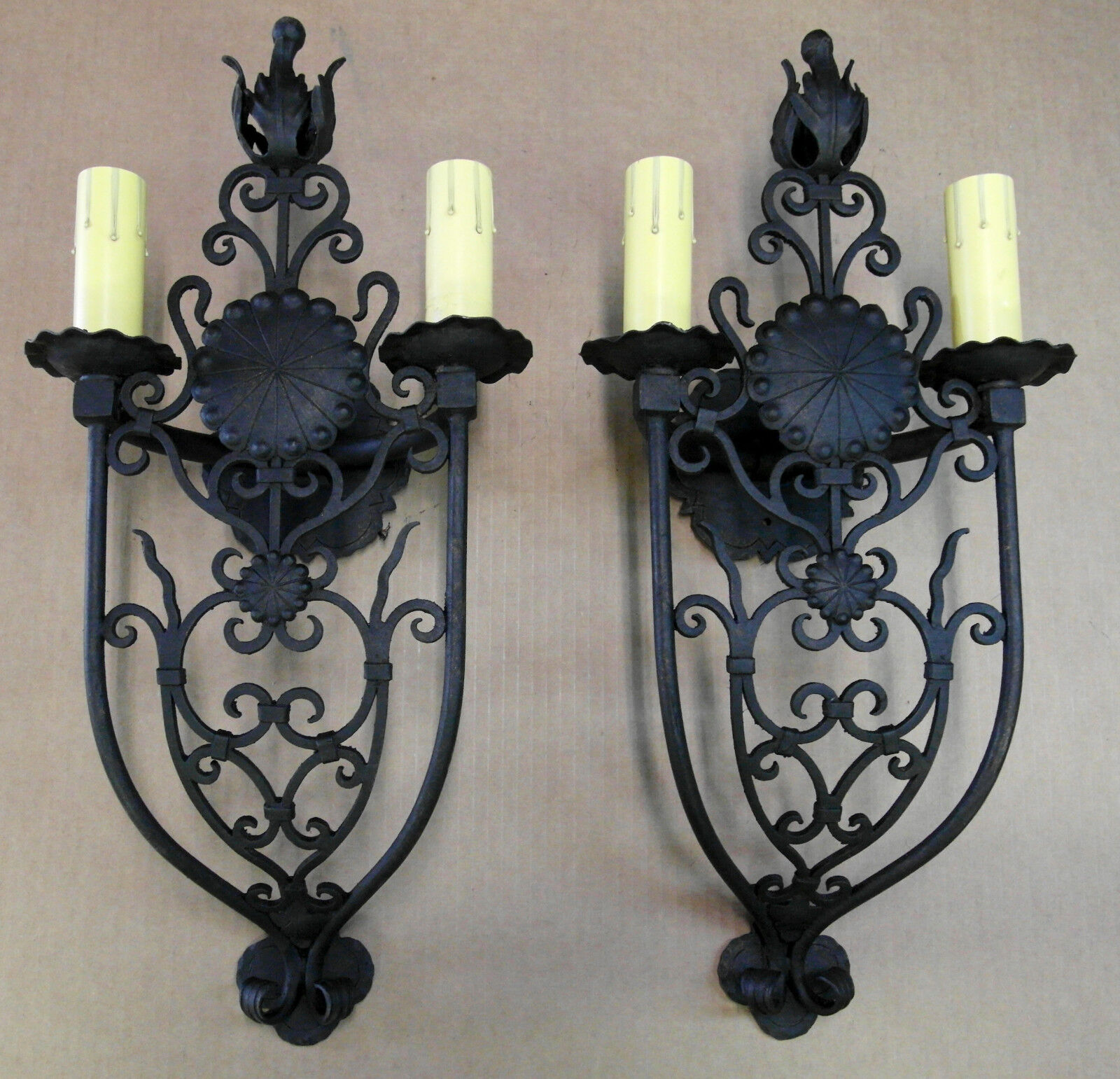 @ PAIR 1920S STYLE WROUGHT IRON SPANISH REVIVAL TUSCAN MISSION WALL SCONCE LAMP