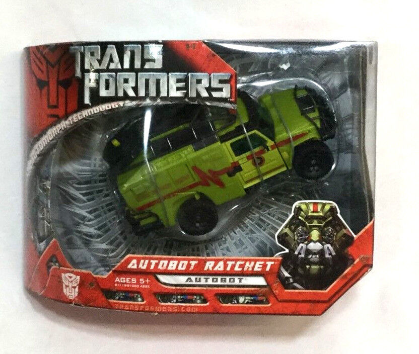2007 Movie Transformers Autobot Ratchet Voyager Class Boxed MIB Sealed FREESHIP