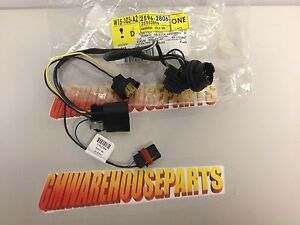 2007 2013 chevy silverado headlight wiring harness new gm 25962806 rh ebay com Alternator Conversion Wiring Harness GM Headlight Switch Connector