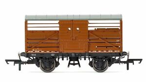Hornby-R6826-BR-10t-Maunsell-Cattle-Freight-Wagon-039-B891313-039-Era-4-OO-Gauge