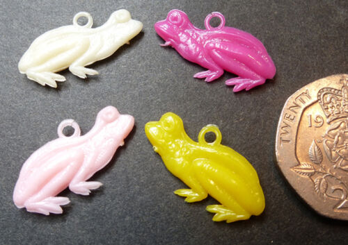 And why not ? 4 Vintage 2cm Frog Charms